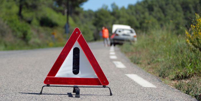 car_breakdown-small-road